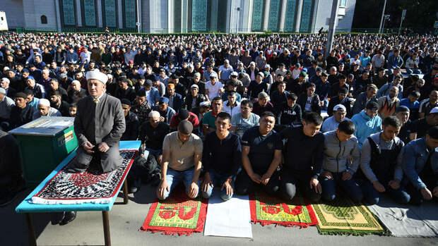 Мусульмане призвали построить больше мечетей в Москве