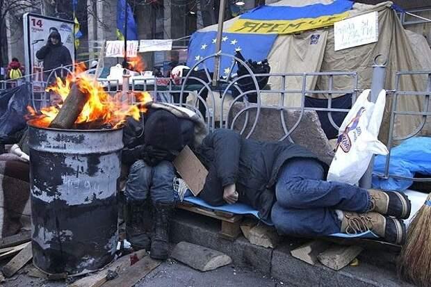 На Украине заявили, что люди скоро останутся «бомжами» из-за бездействия власти