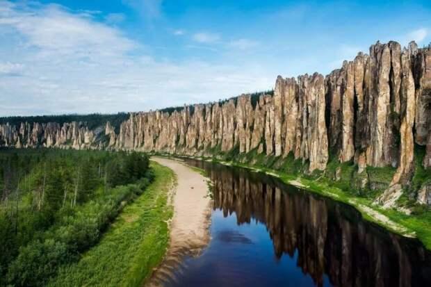 Ленские столбы на реке Лене