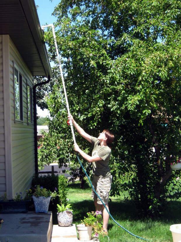 Устройство для мытья крыши.