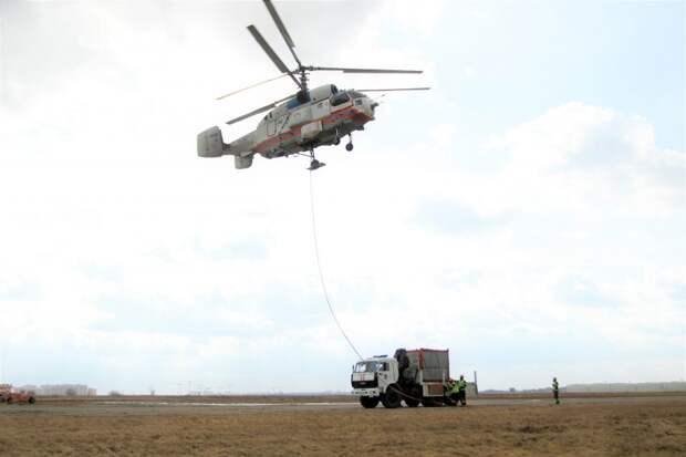 Пилоты Московского авиацентра провели совместную тренировку с пожарными