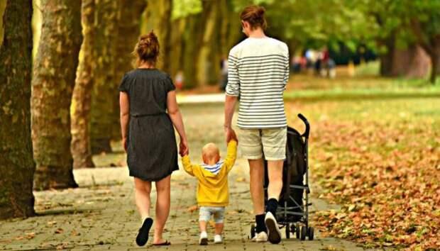 Названы условия введения новых выплат на детей по 10 тысяч рублей