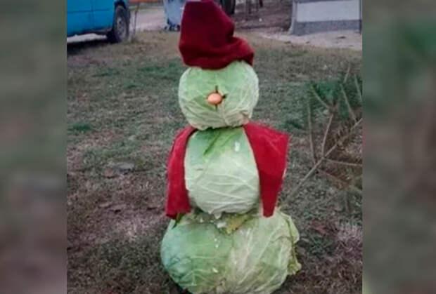 В Дагестане появился капустный снеговик