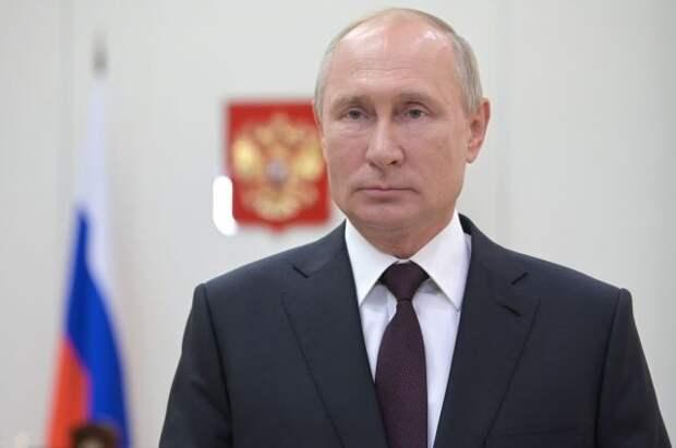 Путин объявил благодарность сотрудникам Центра Гамалеи за создание вакцины