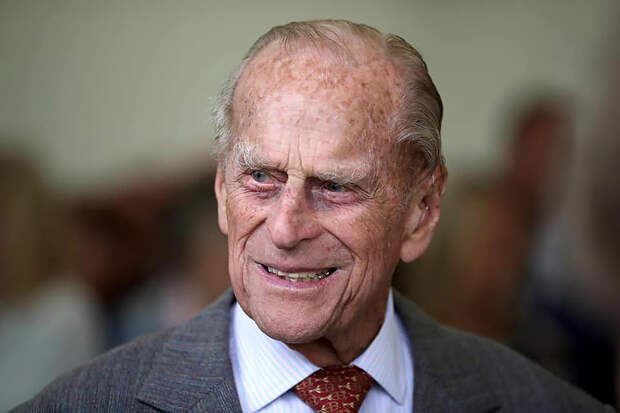 Британского принца Филиппа перевели в прежнюю клинику