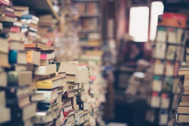 Библиотека №129 района Марьино запустила книжный флешмоб «Коронамемос»