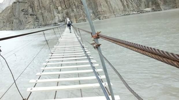 Захватывающий вид и проверка на смелость. /Фото: supercoolpics.com