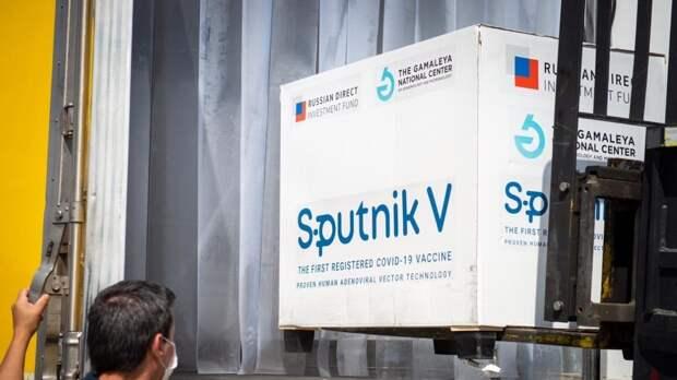 Аналитик Калиниченко рассказал, как вакцина «Спутник V» могла бы спасти Украину