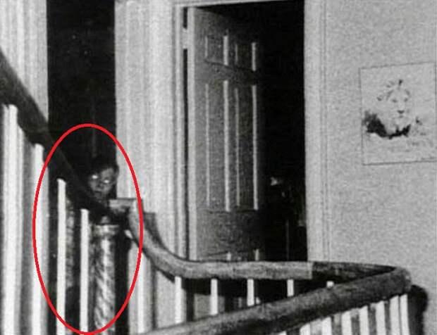 10 фото призраков и приведений, приводящих в ужас