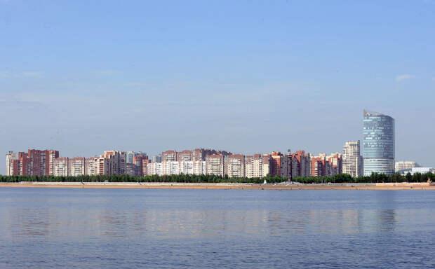 DSC 52071 Нефасадный Петербург: вид с воды