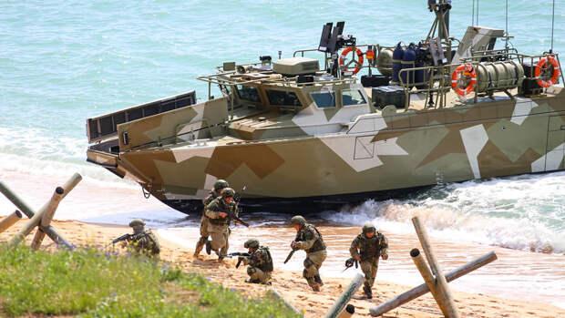 Минобороны РФ привлекло к учениям в Крыму 10 тысяч военных и 40 боевых кораблей