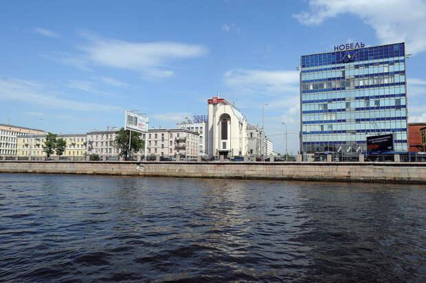 DSC 50061 Нефасадный Петербург: вид с воды