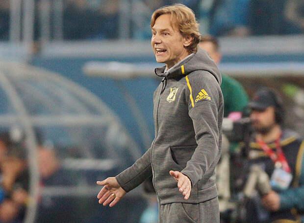 Валерий Карпин объяснил, почему не звонит своему предшественнику на посту тренера сборной России. Оказывается, у него сложные отношения не только с Дзюбой