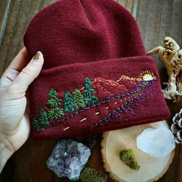 Вышивка на шапках (подборка)