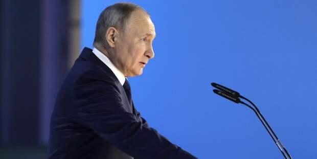 Стало известно, какой вакциной привился от COVID-19 президент России