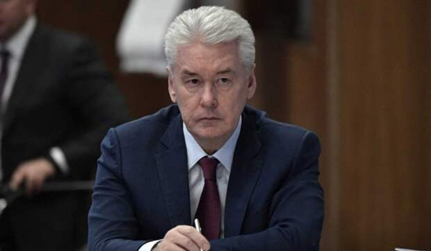 Собянин объявил о продлении дистанционного обучения в московских школах
