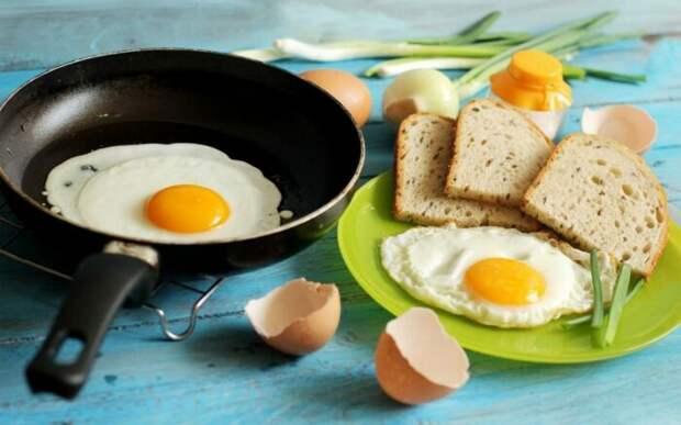 Вкус будет лучше, если помимо сковороды использовать крышку. /Фото: realoraiokastro.gr