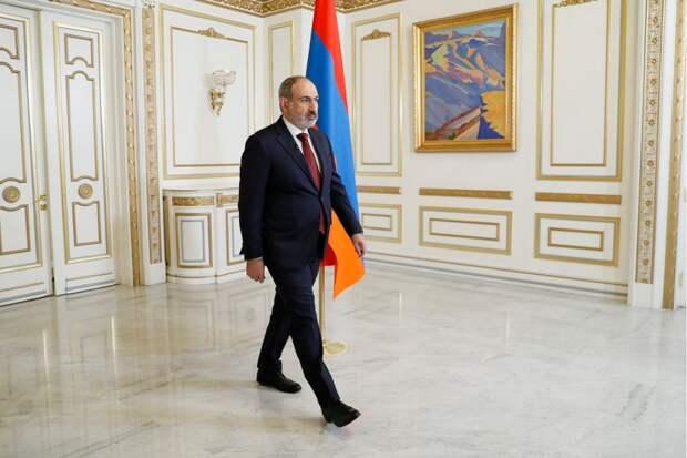 Пашинян ушел в отставку для проведения досрочных парламентских выборов в Армении