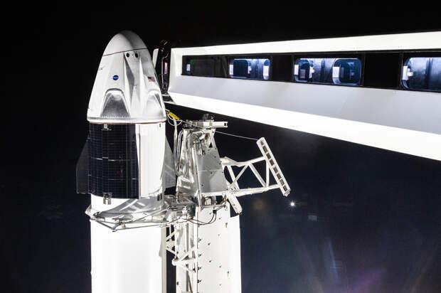 Анонсирован полет космического корабля Crew Dragon с астронавтами на борту