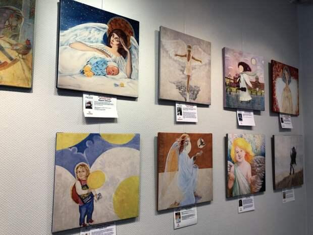 В Северном Тушине открылась выставка тактильных картин