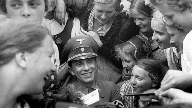 Пока Германия несла потери на Восточном фронте, Геббельс создавал внутри страны альтернативную картину мира