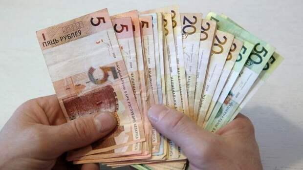 Белоруссии пора переходить на российский рубль