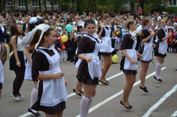 Выпускницы разного времени (48 фото)