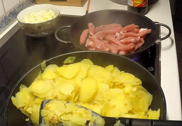 Картошка по-немецки на сковороде: обед и ужин сразу