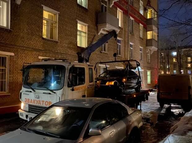 Автомобиль злостного неплательщика эвакуировали с 7-й Кожуховской