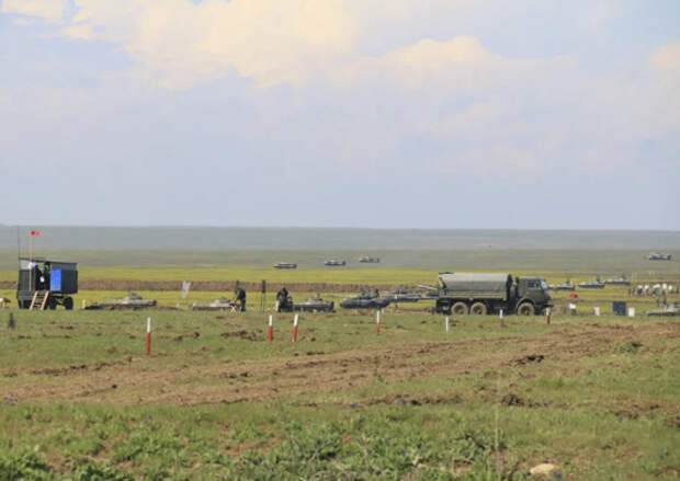 С соединениями 58-й общевойсковой армии ЮВО проведены тактические учения в Крыму в составе разнородных тактических групп