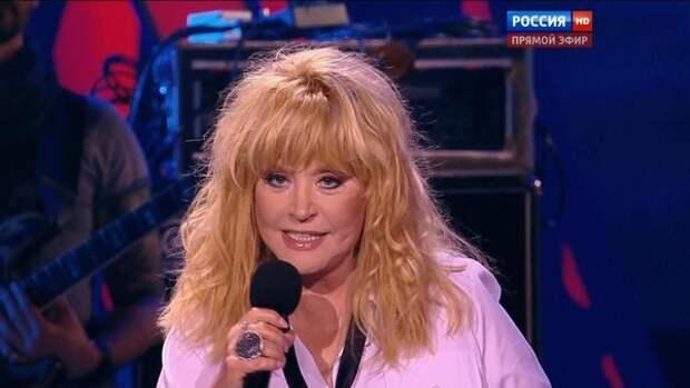 Максим Галкин показал запись с поющей без фонограммы Аллой Пугачевой