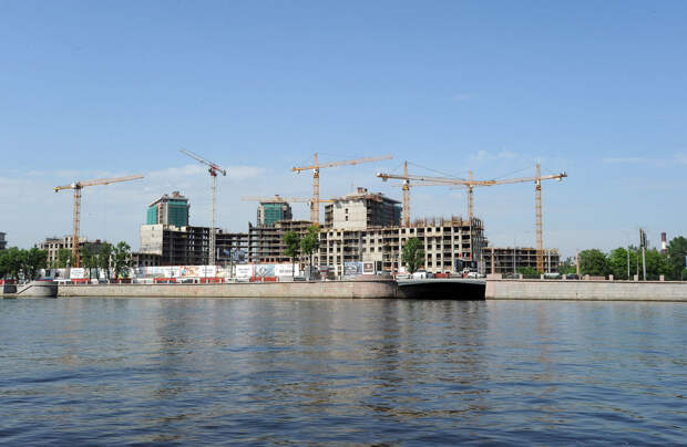 DSC 50381 Нефасадный Петербург: вид с воды