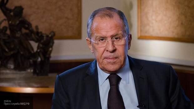 Лавров: Россия приветствует преемственность политики властей Японии