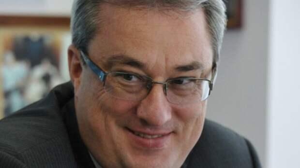Суд не стал наказывать экс-главу Коми Гайзера
