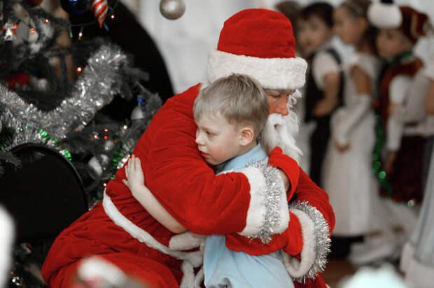 Кадыров верил в Деда Мороза и расстроился, узнав в нем односельчанина