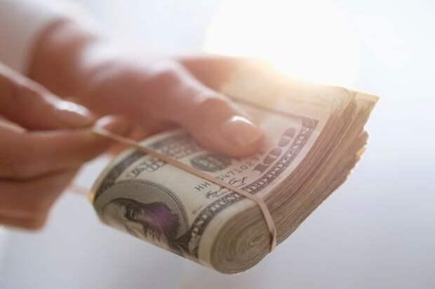 Иностранные банки обслуживали попавших по санкции США российских бизнесменов