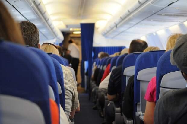Тюменский хирург спас задыхавшегося в самолете мальчика