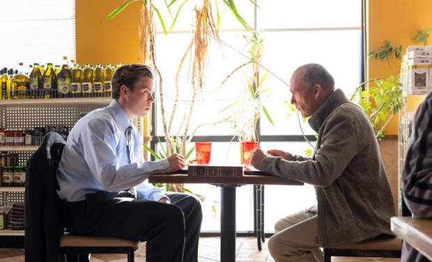 Сериал «Ломка» об Америке, подсевшей на «аптеку», против неправдоподобной драмы о журналистике «Виновная сторона». Битва сериалов на «Снобе»