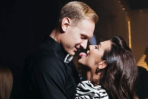 Поклонники отвернулись от Седоковой из-за интимных снимков