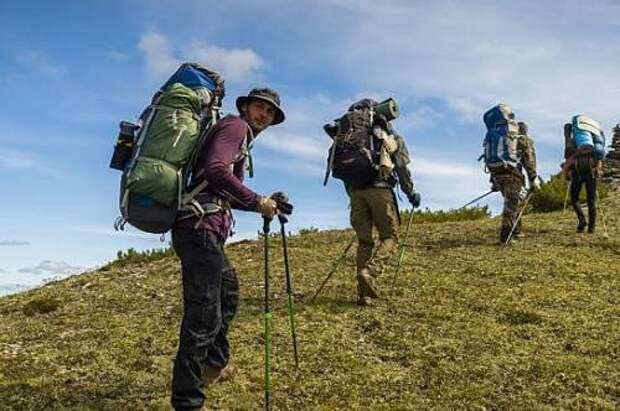 Космические путешествия и палаточный лагерь у самой высокой горы