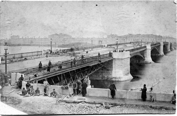 Вид на строящийся мост в Санкт-Петербурге (1878 — 1879) дореволюционные снимки, интересно, кадр, россия, факты, фото