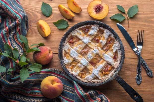С клубникой, вишней и персиками! Готовим настоящую летнюю выпечку