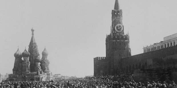 Виртуальная выставка о Красной площади в годы Великой Отечественной открылась в Сети