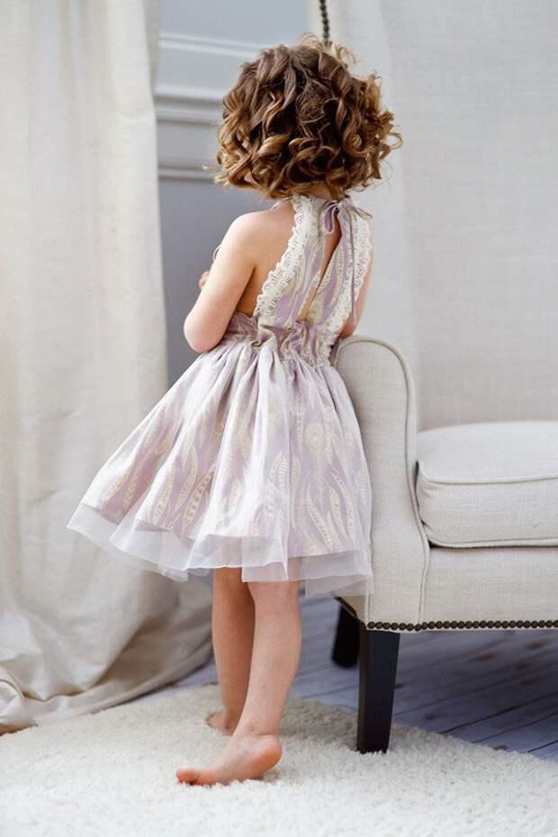 Спинки детских летних платьев