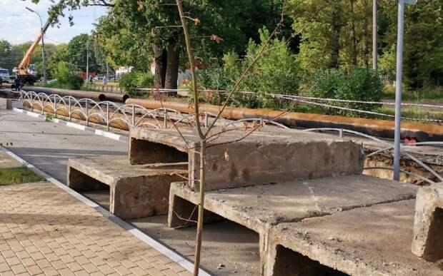 Рязанцев возмутил вскрытый асфальт на улице Братиславской