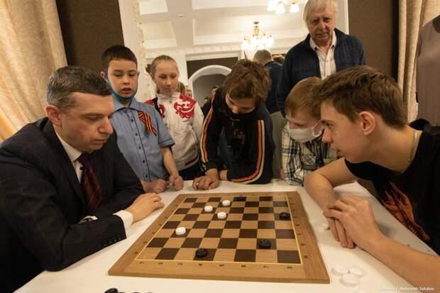 Шах и мат: в Томске подвели итоги турнира ко Дню Победы для «особенных» спортсменов