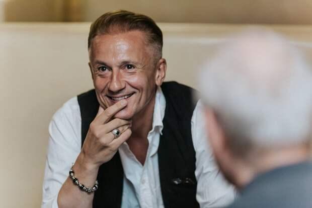 Олег Меньшиков ушёл с поста директора театра имени Ермоловой