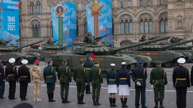 Федеральное агентство новостей транслирует московский парад Победы