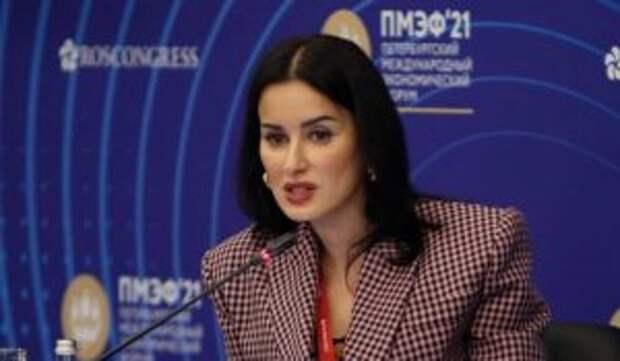 «Надела парик, вернула Уткина»: Канделаки сделала заявление об отстранении Губерниева после скандала с Бузовой
