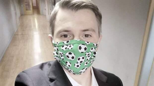 «Не отпускает». Комментатора Стогниенко с коронавирусом госпитализировали в больницу в Коммунарке